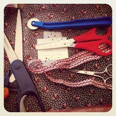 #nuevos #proyectos a la #vista de #feeling  #handmade  #sew #sewing #costura #coser #craft #diy #hechoamano #manualidades #atelier #hobbie #fabrics #telas #tejidos #tijeras #herramientas - @feelinghandmade- #webstagram