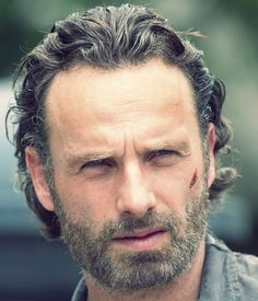 Andrew Lincoln / Rick Grimes - The more savage he gets on The Walking Dead, the hotter he gets ; Andrew Lincoln, Rick Grimes, Archie Comics, Norman Reedus, Fandoms, Star Wars, Fear The Walking Dead, Film Serie, Dead Man