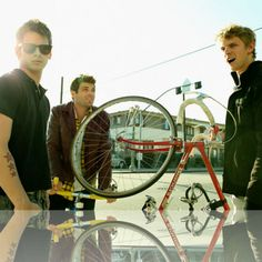 Discover, share & listen to Foster The People on http://LetsLoop.com #Glastonbury