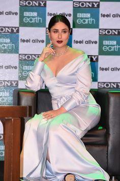 Bollywood Actress Hot Photos, Beautiful Bollywood Actress, Most Beautiful Indian Actress, Bollywood Celebrities, Bollywood Fashion, Beautiful Actresses, Bollywood Heroine, Kareena Kapoor Bikini, Kareena Kapoor Pics