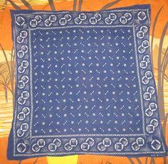 rare vtg 50s ELEPHANT FAST COLOR BLUE COTTON BANDANA scarf PATTERN large 24.5x25