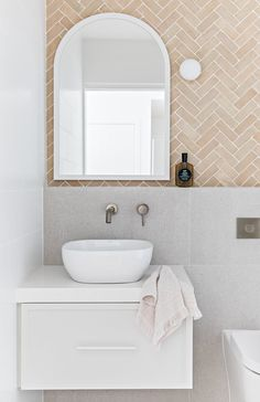 Home Decor Styles Cape Beach House Byron Bay.Home Decor Styles Cape Beach House Byron Bay Bad Inspiration, Bathroom Inspiration, Home Decor Inspiration, Bathroom Ideas, Decor Ideas, Small Bathroom, White Vanity Bathroom, Bathroom Inspo, Dream Bathrooms