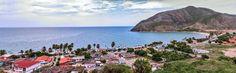 Le 35 spiagge di Isla Margarita ( 6 ) Playa Zaragoza Una caratteristica spiaggia che dà le spalle a tipiche case coloniali molto colorate e è protetta da una scogliera che rende il mare adatto a...