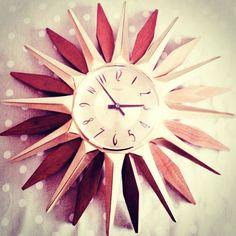 Starburst 60 s clock