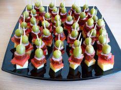 koreczki Ice Pop Recipes, Quick Recipes, Veggie Platters, Mini Appetizers, Good Food, Yummy Food, Food Garnishes, Party Buffet, Food Decoration