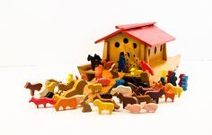 Vintage Children's Wooden Pull Toy Noah's Ark with by esther2u2
