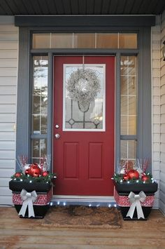 Check Out 21 Red And Grey Christmas Decorations Ideas. Red and grey is a great and almost classic color combo, and it's really ideal for Christmas decor. Porch Christmas Lights, Front Door Christmas Decorations, Christmas Entryway, Christmas Front Doors, Decorating With Christmas Lights, Front Door Decor, Porch Decorating, Christmas Home, Christmas Holidays