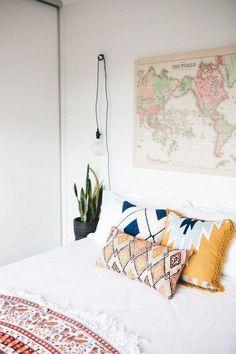 Nice 90 Romantic Bohemian Style Bedroom Decorating Ideas https://livinking.com/2017/07/11/90-romantic-bohemian-style-bedroom-decorating-ideas/