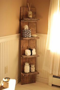 Use Pallet Wood Projects to Create Unique Home Decor Items Rustic Wall Shelves, Wood Wall Shelf, Pallet Shelves Diy, Diy Pallet Wall, Pallet Diy Decor, Rustic Wood Wall Decor, Pallet Cabinet, Pallet Walls, Pallet Couch