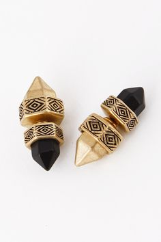 Ancient Pointy Stud Doble Side Earring