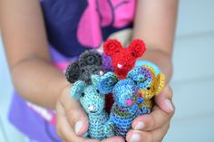 Tiny Crochet Mousies tutorial by the Green Dragonfly