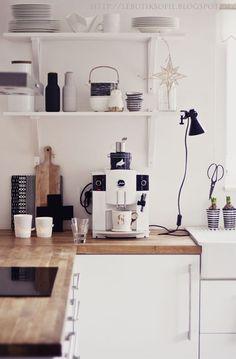 cuisine contemporaine & plan de travail en bois