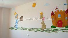 Mural infantil el príncipe y su perrita. Me llamo Paula Mínguez y pinto preciosos murales y cuadros a tu gusto y medida. Contacta conmigo. Baby, Murals, Baby Humor, Infant, Babies, Babys