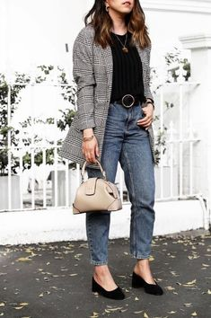 Clothing Styles For Women - Fashion Trends Petite Fashion Tips, Petite Outfits, Modest Fashion, Fashion Outfits, Womens Fashion, Fashion Trends, Fashion Styles, Informal Attire, Beautiful Outfits