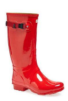 glossy red hunter boots http://rstyle.me/n/ucwqnpdpe