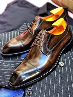 Cap Toe Shoes, Men's Shoes, Dress Shoes, Leather Skin, Leather Cap, Penny Loafers, Luxury Shoes, Business Fashion, Crocodile