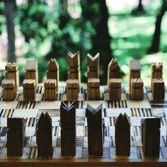 New collection, Chessboard and pieces / nueva coleccion, piezas de ajedrez. • • • #Dowoodworking #madera #wood #woodworking #workshop #chessboard #board #chess #ajedrez #tablero #furniture #mueble #furnituredesign #plywood #pinewood #pine #pino #patterns #patrones #design #diseño #diseñord #artesanalcanvas