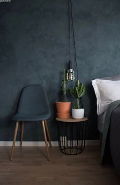 Blue Bedroom Ideas - Blue is the most prominent color, and also its relaxed as well as informal vibe makes it excellent for the bedroom. Below's how to decorate with your fave . Blue Bedroom, Bedroom Wall, Interior Inspiration, Room Inspiration, Decor Room, Bedroom Decor, Home Decor, Bedroom Furniture, Bedroom Ideas