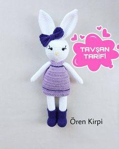 No automatic alternative text. Crochet Patterns Amigurumi, Amigurumi Doll, Crochet Dolls, Crochet Hats, Crochet Christmas Hats, Christmas Ornaments, Crochet Snowman, Small Blankets, Crochet Round