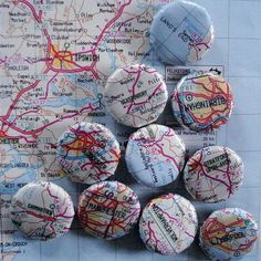 Map magnets for Thinking Day! put the map in a bottle cap. Map Crafts, Diy And Crafts, Arts And Crafts, Recycle Crafts, Travel Crafts, Diy Projects To Try, Craft Projects, Craft Ideas, Globe Projects