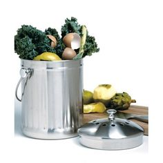 Gardening Compost This satin-finish stainless steel compost keeper is designed for storing food scraps, fruit and vegetable peels, egg shells, coffee grounds and more. It is odor-free and attractive enough to keep on your kitchen counter. Garden Compost, Compost Container, Container Store, Vegetable Gardening, Permaculture, How To Use Dishwasher, Kitchen Trash Cans, Organic Gardening Tips, Gardens