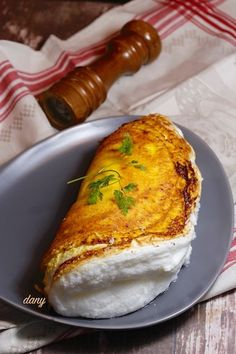 omelette recipe easy - omelette recipe - omelette recipe easy - omelette recipe breakfast - omelette recipe healthy - omelette recipe videos - omelette recipe easy ham and cheese - omelette recipe easy breakfast ideas - omelette recipe easy veggies Cheap Clean Eating, Clean Eating Snacks, Healthy Sweet Snacks, Healthy Recipes, Cuisine Diverse, Easy Brunch Recipes, Chefs, Food Inspiration, Easy Meals