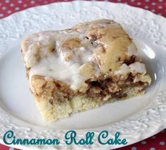 cinnamon roll cake..