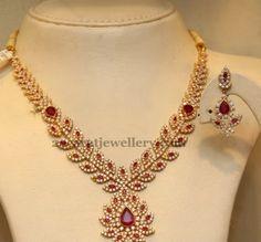 Ruby CZ Set by Malabargold - Jewellery Designs Ruby Jewelry, Wedding Jewelry, Beaded Jewelry, Jewelery, Gold Jewelry, Diamond Jewelry, Gemstone Jewelry, Gold Necklace, Gold Jewellery Design