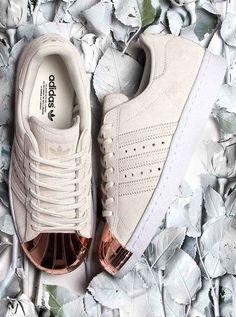 adidas Originals Superstar: White