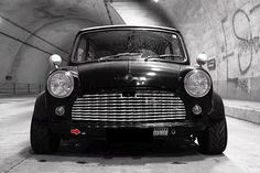 Classic Mini, Classic Cars, Mini Lifestyle, Old School Cars, Fiat 500, Hot Wheels, Cars And Motorcycles, Motorbikes, Minis