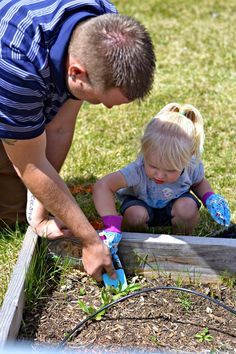 Backyard Gardening For The Whole Family, Montessori Gardening, Teaching Gardening In Montessori Schools, Building a Garden with your kids, tips for gardening with kids.