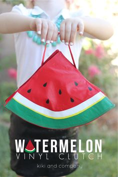 Make the cutest Watermelon Vinyl Clutch Bag with vinyl from Expressions Vinyl and the free pattern given here at Kiki and Company.