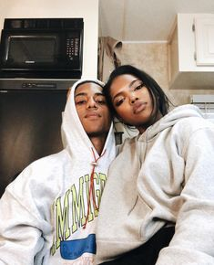 Find images and videos about couple, melanin and black love on We Heart It - the app to get lost in what you love. Couple Goals Relationships, Relationship Goals Pictures, Couple Relationship, Black Love Couples, Cute Couples Goals, Dope Couples, Photographie Indie, Romance, Photo Couple
