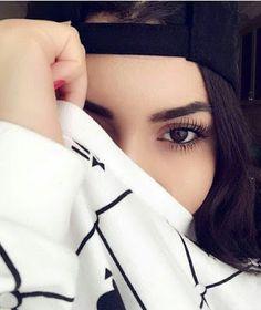 Stylish dpz for girlz Best Photo Poses, Girl Photo Poses, Girl Photos, Portrait Photography Poses, Fashion Photography Poses, Cute Girl Face, Cute Girl Photo, Stylish Girls Photos, Stylish Girl Pic
