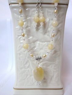 Yellow Agate Necklace Set with Pendant and Fresh Water Pearls