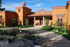 Exterior Southwestern style Design Ideas, Pictures, Remodel and Decor