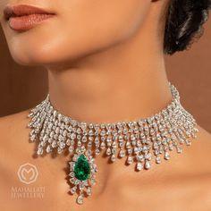 Emerald Jewelry, Emerald Necklace, Pear Diamond, Jewelry Organization, Necklace Designs, Blue Sapphire, Beautiful Dresses, Fashion Shoes, Jewelery