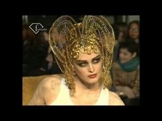 John Galliano Fall/Winter 1997/98 2 ft Naomi Campbell, Shalom Harlow, Linda Evangelista   FashionTV - YouTube
