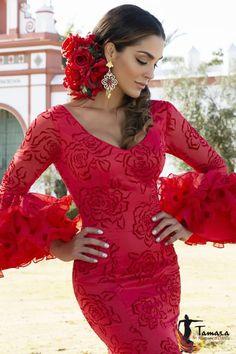 Elegant Dresses, Pretty Dresses, Beautiful Dresses, Havanna Party, Spanish Hairstyles, Spanish Gypsy, Spanish Dress, Spanish Woman, Flamenco Dancers