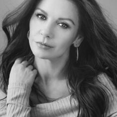 """Casa Zeta-Jones az Instagramon: """"Happy New Year! I would just like to thank you all for your love and support. I want to say a huge thank you to all my team at Casa…"""" Jennifer Love Hewitt, Jennifer Garner, Cathrine Zeta Jones, Rosamund Pike, Gabrielle Union, Alyssa Milano, Celebrity Babies, Sandra Bullock, Halle Berry"""