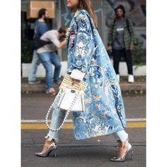 Floral Pattern Printed Long Sleeve Coat - ootdmw.com Mode Inspiration, Coat Dress, Pattern Fashion, Fashion Prints, Mantel, Casual Dresses, Autumn Fashion, Fashion Coat, Paris Fashion