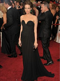 Dresses Find and save ideas about Angelina Jolie Dress. See more about Angelina jolie, Angelina jolie hair, Angelina Jolie Dress. Best Oscar Dresses, Oscar Gowns, Celebrity Inspired Dresses, Celebrity Gowns, Celebrity Style, Black Evening Dresses, Evening Gowns, Angelina Jolie Dress, Vestidos Oscar