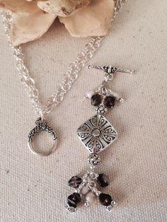 Diamond of Purple Beaded Necklace Jewelry Crafts, Jewelry Ideas, Jewelry Design, Beaded Jewelry, Beaded Necklace, Pendant Necklace, Charm Necklaces, Homemade Jewelry, Wire Work