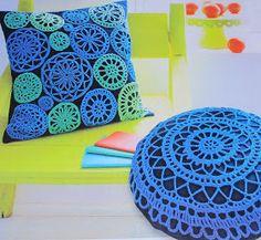 Agulhas e Pinceis: Almofadas de crochê redonda e quadrada