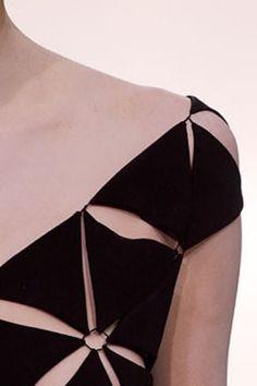 Yohji Yamamoto Haute Couture Autumn/Winter 2003 - Vogue Australia