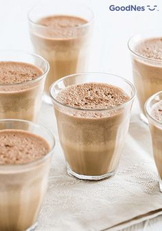 This super fast and easy iced mocha gets its distinct cinnamon flavor from a mix of Abuelita and Café de Olla. Summer Drink Recipes, Easy Drink Recipes, Coffee Recipes, Mocha Drink, Iced Mocha, Blended Coffee Drinks, Mixed Drinks, Moca, Homemade Iced Coffee