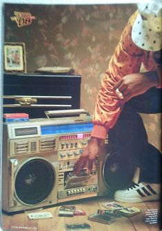 Rap Music And Hip Hop Culture Collection Mode Hip Hop, Hip Hop And R&b, 90s Hip Hop, Love N Hip Hop, Hip Hop Radio, Radios, Mode Old School, Pub Radio, Music