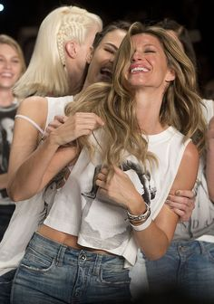 #Gisele Bündchen, the world's highest paid #model, sashayed away during her final runway show after 20 years.
