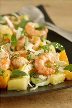Salade rafraîchissante, fenouil, ananas, mangue, menthe & coriandre