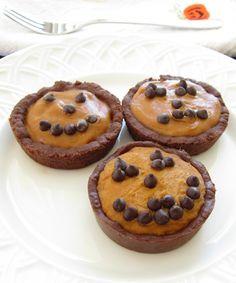Mini No-Bake Pumpkin Pies with Chocolate Honey Graham Cracker Crust